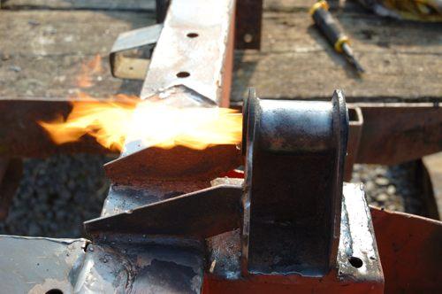 Reste der Achsbuchse verbrennen