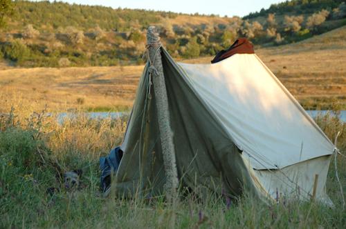 Nein, -nicht unser Zelt...